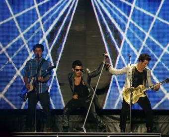Jonas Brothers (Jonatiks)