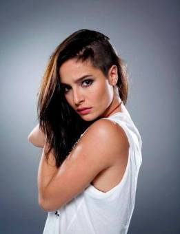 Brenda Asnicar por Juana (Cumbia Ninja)