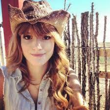 Bella Thorne (La Chica)