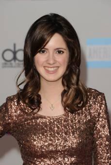 Ally Dawson--Laura Marano--17 años