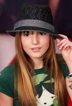 "Bella Thorne. ""CeCe"" ""A Todo Ritmo"""
