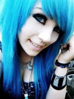 ellas se llama Karina y la puedes buscar en facebook como Karina Rusher Lopez de Henderson