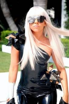 LADY GAGA ( LITTLE MONSTER )