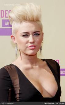 Miley Cyrus--15º
