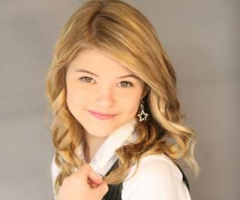 por ser fan de stefanie scott.