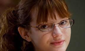 Porque bella era una nerd de pequeña