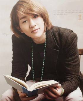 Lee Jinki (onew)