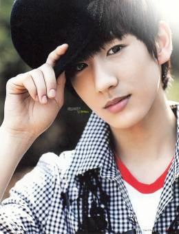 Min Woo (Boyfriend)