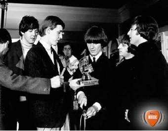 The Beatles es el Artista con mas premios Novello de la historia.