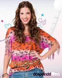 Candelaria Molfese(Camila)