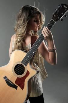Nikki Mackliff