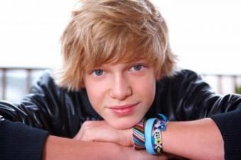 Cody Simpson Un Chico Con Los Pies En La Tierra!
