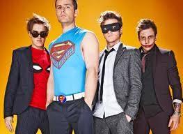 supererues y 2 villanos