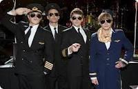 3 capitanes y un aeromoso