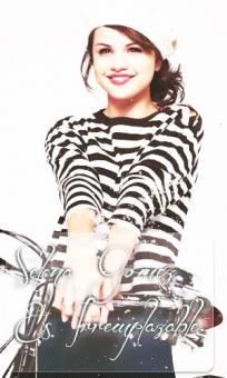 Selena Gomez Es Irremplazable