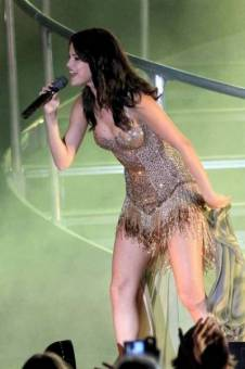 We Own The Night : Selena Gomez