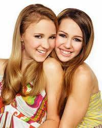 Lily/Lola y Miley/Hannah (Miley Cyrus y Emily Osment) En Hannah Montana