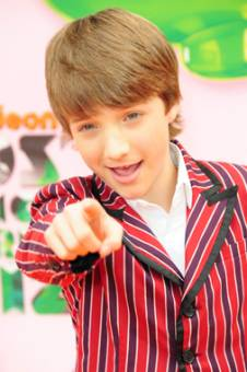 1000000000000000000 veces JAKE SHORT que  el horrendo pecoso!
