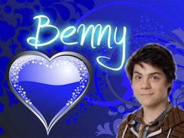 por Benny