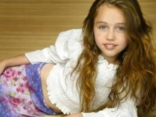 MileyFan@(no es ella pero se parece mucho en esta foto).