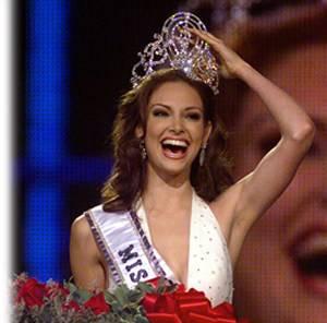 Denisse Quiñones Miss Universo 2001