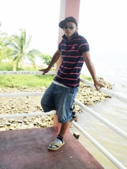 Victor Rodas II C (17 años)