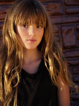 Bella Thorne (linda)