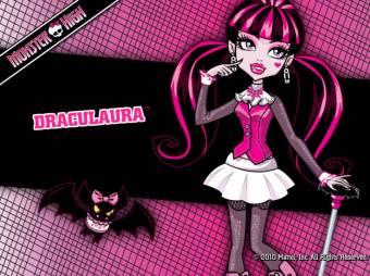 """La vampira mas rosa...Y vampira vegetariana.Al nombrar la palabra """"SANGRE"""" se desmaya"""