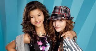 Por no ser talentosa si no fuera talentosa no estaria en Disney Channel
