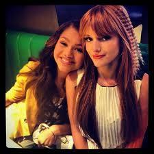 tienes a 2 idolas super lindas qe son Bella thorne y Zendaya coleman