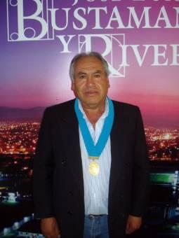 FELIX ALEJANDRO PAREDES VIZCARRA DE AREQUIPA RENACE