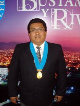 EDGAR DEMBER GONZALES POLAR DE AREQUIPA RENACE