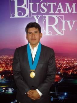 EDWARD JORGE SUA QUITA GUTIERREZ DE AREQUIPA RENACE