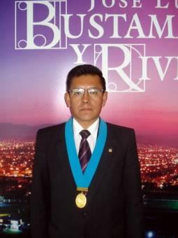 OSCAR ALEJANDRO CARRILLO MUÑOZ DE HONESTIDAD Y EXPERIENCIA