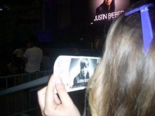 candy va a conciertos porque es una verdadera fan.