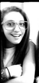 Por ser una diosa con gafas