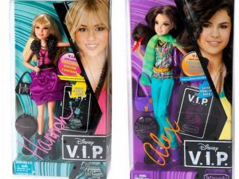 Porque las dos tienen sus propias muñecas
