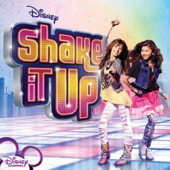 Porque participa en una serie genial: Shake It Up.