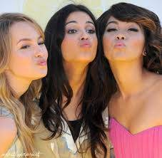 las tres aman a sus fans
