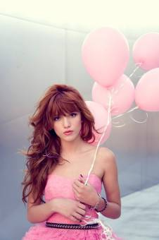 por salir hermosa con los globos
