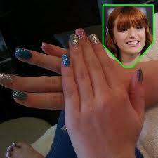 bella:por tener uñas hermosas