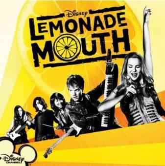 por tener una pelicula lemonade mouth