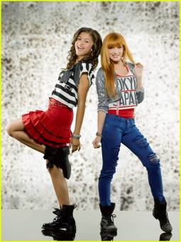 por vestirse bien con zendaya en shake it up!