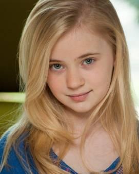 Sierra McCormick (Olive Doyle)-por Programa de Talentos
