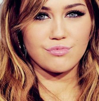 """Miley Cyrus """"THE BEST"""""""