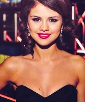 Selena Gomez ( Selenators )