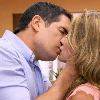 beso De German y Angie