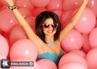Selly Gomez Hit The Ligths ♥