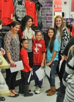 Selena Gomez (selenatikas).