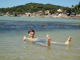 Artur en la playa